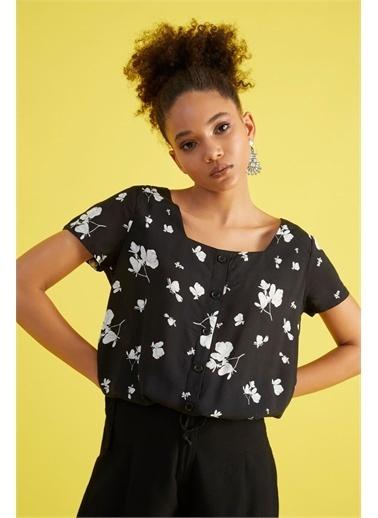 Z Giyim Kadın  Siyah  Desenli Kare Yaka Beli Bağlamalı Bluz Siyah